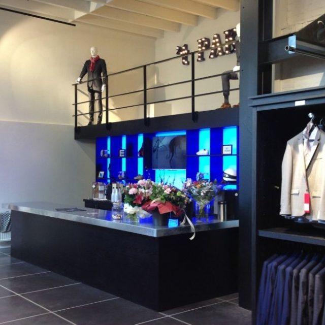 Verbouwen van kledingwinkel in Hoorn